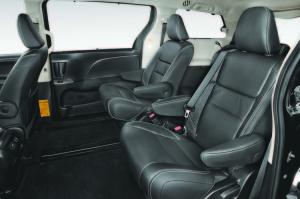 2015-toyota-sienna-se-rear-interior-seats-02
