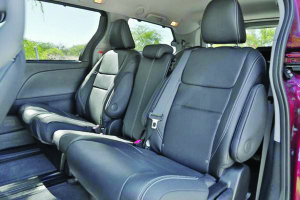 2015-Toyota-Sienna-Review-Interior-6