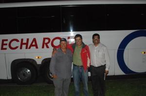 Organizadores del Club Zacatecano: Cecilio Lomeli y Gonzalo entreo otras personas más .(Foto: de Emilio Flores).