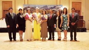 La foto del recuerdo durante la coronación de la reyna y las princesas...