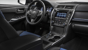 2016-toyota-camry-special-edition-005-1