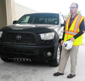 ike Sweeres, jefe de ingeniería de Tundra y Tacoma con la Tundra 2007 de Victor Sheppard. (Fotos: LPDC/Mary A. Flores).