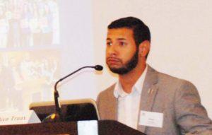 José Abastida, compartiendo su historía durante su presentación en la III Conferencia Anual sobre Equidad de la Educación en Washington D.C. (Foto: LPDC/Mary A. Flores.)