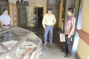 En los propios recuerdos del Museo Histórico del Oriente de Morelos, con Ángel Uriel Gonzalez y Edgar Rafael Castro Zapata. (Foto:LPDC/Tizoc Cuéllar Escamilla)