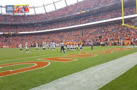 Broncos dominan a los Raiders