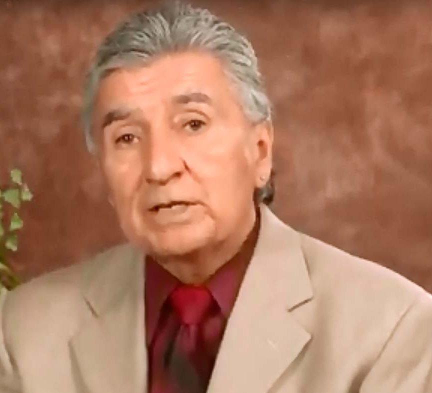 Destituye al superintendente interino Javier Abrego