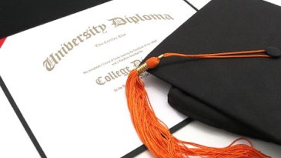 ¿Vale la pena obtener un título universitario y de cuál colegio?