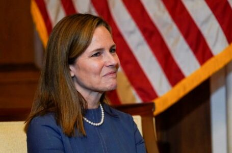 Amy Coney Barrett Redefine el feminismo