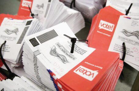 Detroit: Decenas de miles de boletas se entregaron en urnas de USPS en el centro de procesamiento de boletas ausentes  a las 3:30 a.m. después de las elecciones