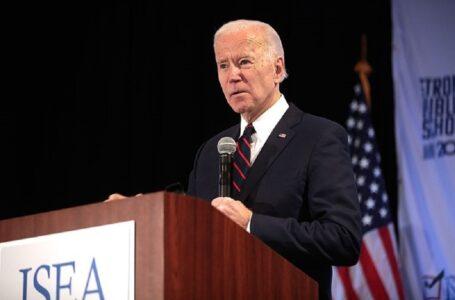 """Joe Biden """"no debería presentarse para la sagrada comunión"""""""