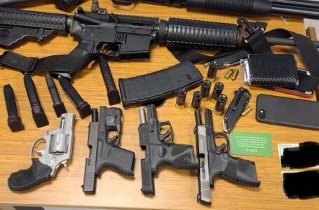 Legisladores piden reforma de armas