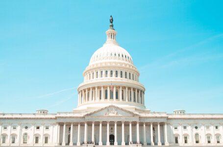 Millones de hogares estadounidenses no recibirían pagos del COVID-19 bajo el nuevo plan de Biden