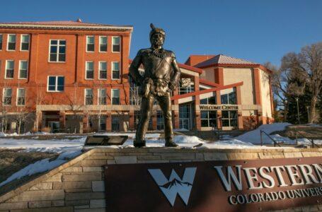 Western Colorado University desafía la cancelación de la cultura y se niega a despedir al presidente La Western Colorado University desafía la cancelación de cultura, además se niega a despedir al presidente.