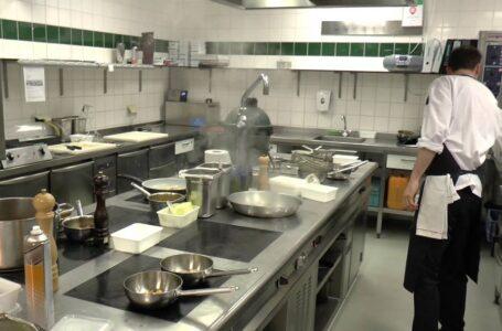 Restaurantes: luchan por cubrir los puestos vacantes