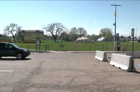 Denver: Estacionamiento de la Universidad de Regis, el próximo lugar abierto para vagabundos sin hogar