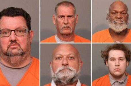 """Cinco arrestos más realizados en Carolina del Sur  depredador en línea """"Operación solo en casa"""""""