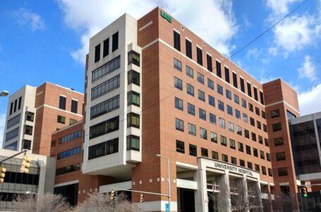 Hospital eliminó el mandato de la vacuna Covid para el personal a pesar de la presión federal