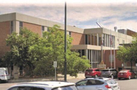 Distrito escolar Adams 14 pierde acreditación estatal, pero logra recuperarla