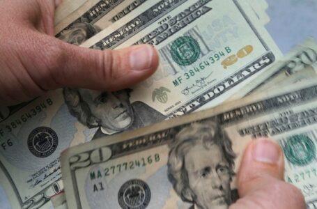 Bancos reembolsarán millones en sobrecargos