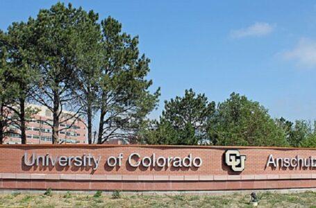 Demandan a la Universidad de Colorado por negar la exención religiosa de la vacuna COVID